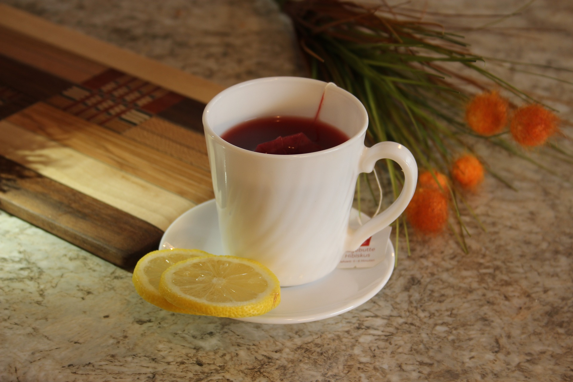 hot tea with lemon